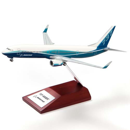 737-900ER Snap Together Model 1:200