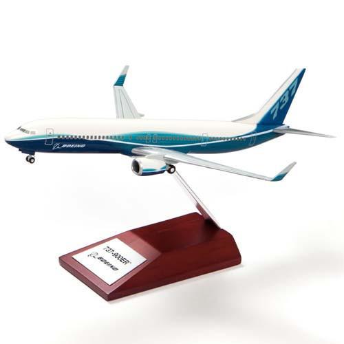 737-900ER Snap Together Model 1:200