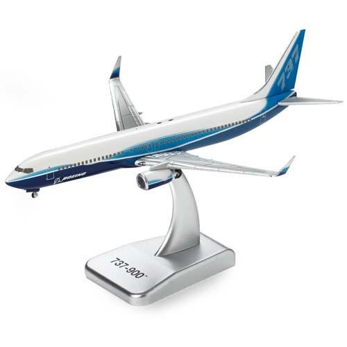 737-900 Diecast Model 1:400